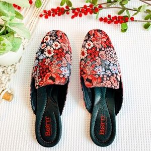 BORN NWT Red and Blue Floral Ballet Flats